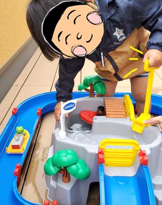 アクアプレイ(マウンテンレイク)で遊ぶ子供の写真